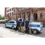 Das neue Dienstfahrzeug der Stadtpolizei mit Hundeanhänger